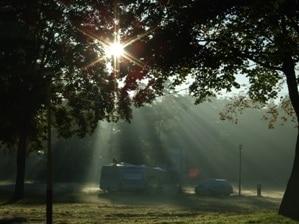 Bewegung hält jung: Aktiv statt auf der Liege - Camping ist eine tolle Urlaubs-Idee