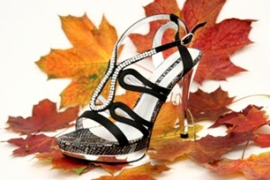 Da kann der Herbst kommen: Feminin und feurig rot - Die neue Mode-Saison Herbst - Winter 2011