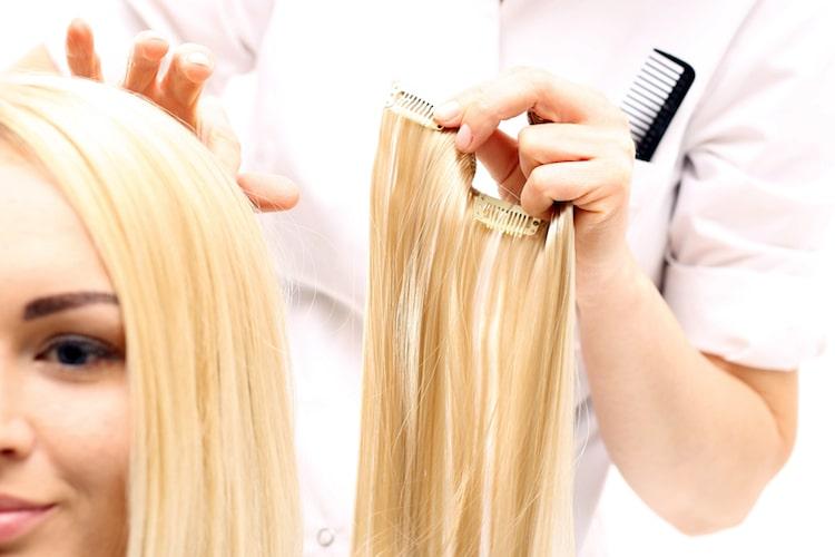 Haar Extensions Haarverlaengerung  © panthermedia.net /robertprzybysz