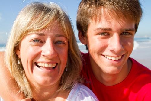 Wer den Familienfrieden erhalten möchte, sollte auf die Urlaubswünsche des pubertierenden Nachwuchses eingehen