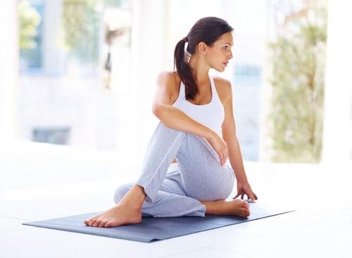 Yoga ist nicht nur gut gegen Stress und macht fit, sondern kann auch unser immunsystem stärken