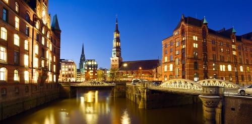 Hamburg hat besonders viel Charme dank des vielen Wassers!
