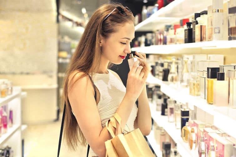 Das richtige Parfum finden | © panthermedia.net /olly18