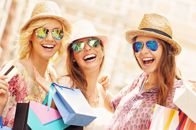 Gemeinsam shoppen gehen | © panthermedia.net /macniak